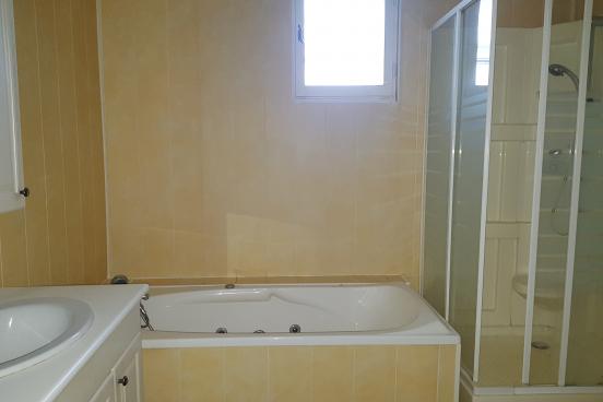 Appartement à rénover 70 m² 3837