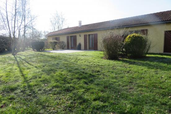 Maison qui lie habitation et activité professionnelle SAINTE OLIVE 11