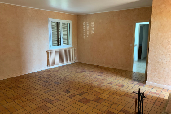A VENDRE MAISON 192 m² MASSIEUX 10
